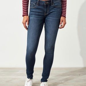 Hollister 3R Low-Rise Super Skinny Jeans